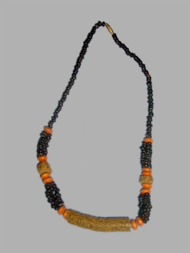 African-Necklace-Designer-C
