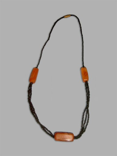 African-Necklace-Designer-A